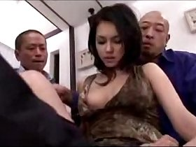 Hot Girl Getting Her Pussy Fingered Licked Stimulated With Vibrator By 3 Guys On The Bed