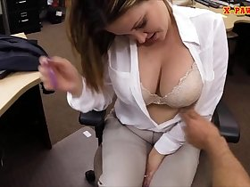 Sexy business lady screwed to earn money for a plane ticket