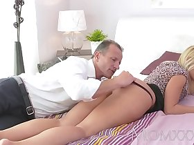 www.elation.ga     :Mom beautiful blonde milf has her perfect tanned body  ucked