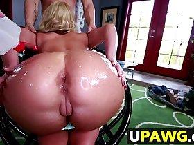 Phoenix Maries big ass gets some dick