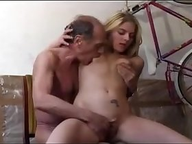 Daughter want's to fuck dad - sexycamsgirl.com